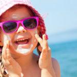 Protetor solar para crianças: saiba como escolher e como usar
